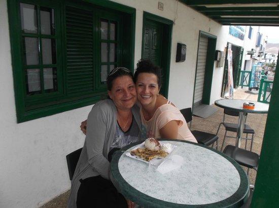 Gelateria Italiana Verderosa : La patronne Giovanna un sourrire chaleureux , extra merci