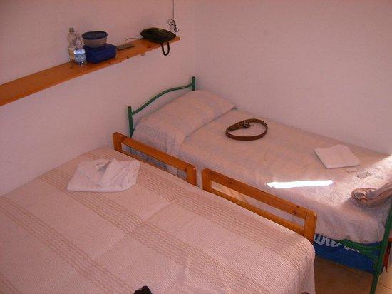 Hotel Zenith: beengtes Zimmer
