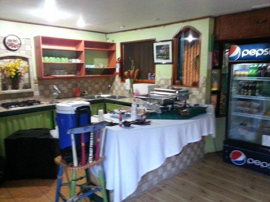 Hotel Kaps Place : COCINA DE DESAYUNO (EL MEJOR DE COSTA RICA)