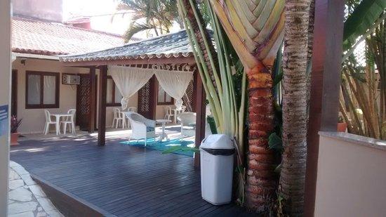 Hotel Don Quijote : Área próximo a piscina