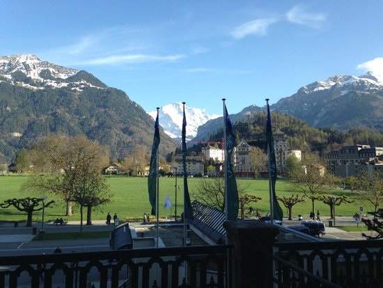 Victoria Jungfrau Grand Hotel & Spa: Балкон!