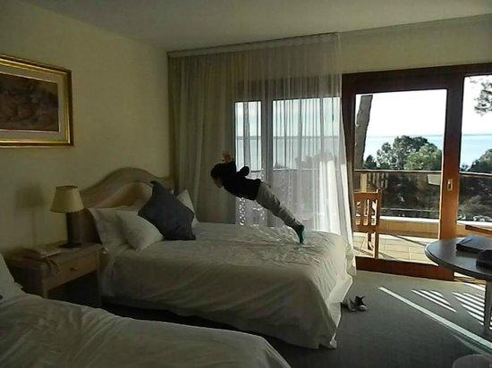 Hotel Del Lago Golf & Art Resort: Probando el estado de la cama