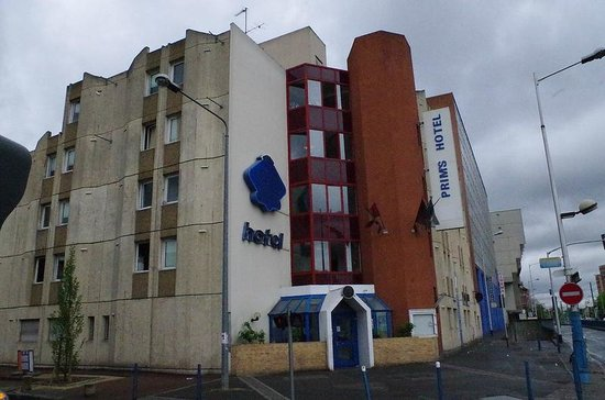 La Courneuve, ฝรั่งเศส: Exterior of Hotel