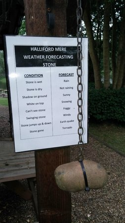 Halliford Mere Lakes & Restaurant: The weather stone - very funny!