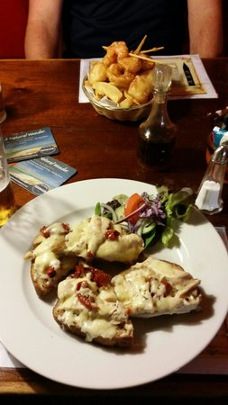 Admiral Benbow: Chicken and cheddar sandwich was really good