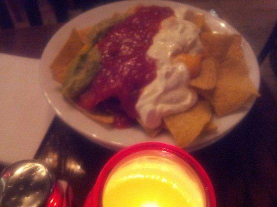Billy's Baked Potato Steak & Grillhouse : Horrible nachos