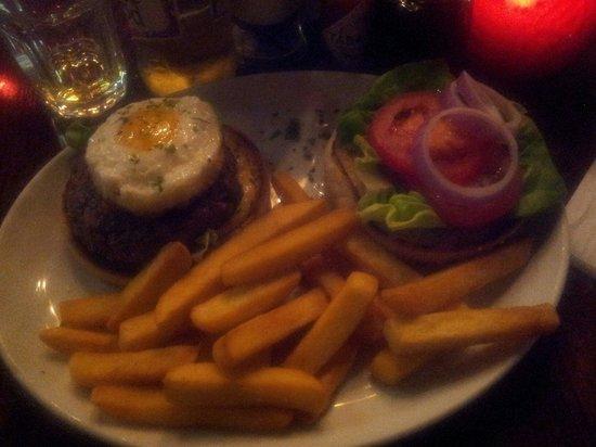 Billy's Baked Potato Steak & Grillhouse : Nice burguer