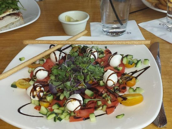 Brooks' Bar & Deck at Edgewood Tahoe : DeliciousTomato Mozzarella Salad