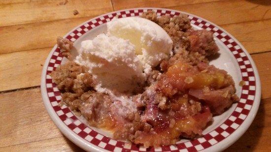 BozWellz Pub & Eaterie: Peach cobbler