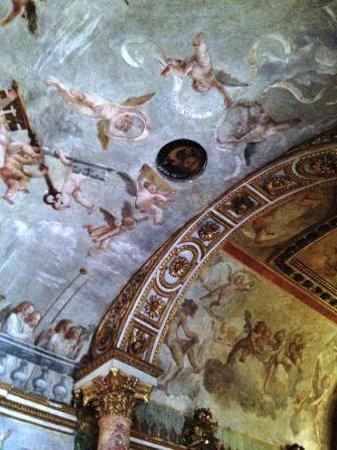 Museo Nazionale Romano - Palazzo Altemps: foro acustico nella cappella
