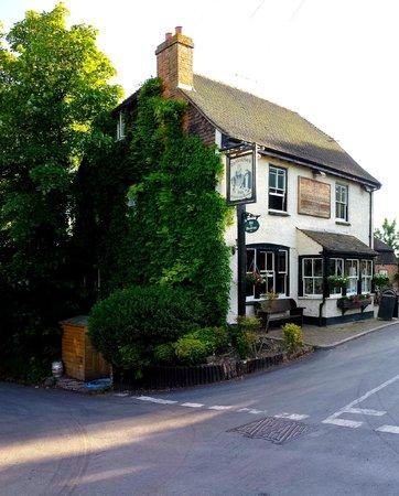 The Black Horse Inn Restaurant : Exterior of pub