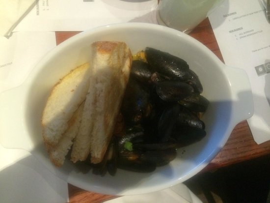 Red Lobster: Mussels, as an appetizer, WOW