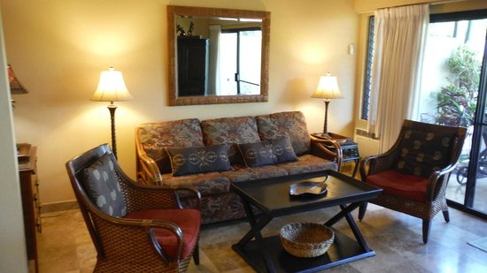 Maui Kamaole: Fold out Queen sofa bed, living area MKB115