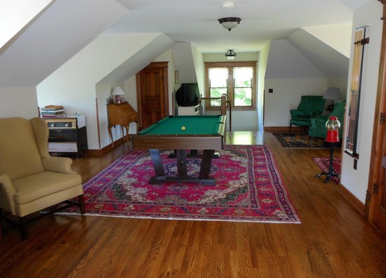 Yorkburg Manor: Recreation Room on Third Floor