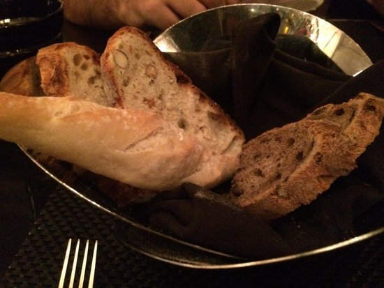 L'Atelier de Joel Robuchon: Bread selection