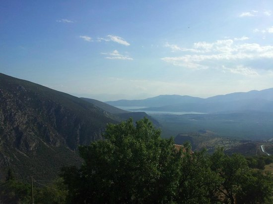 Athens Rent a Minibus - Tours: Beautiful view over Delphi