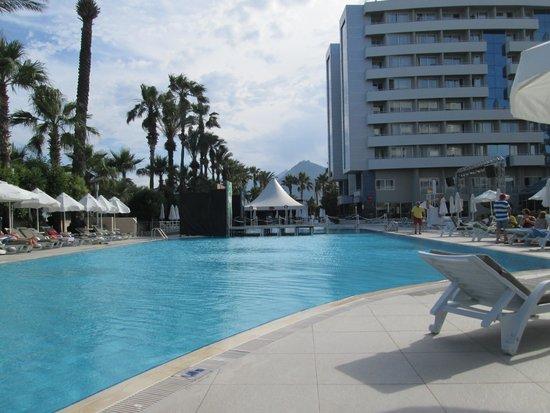 Porto Bello Hotel Resort & Spa: The pool