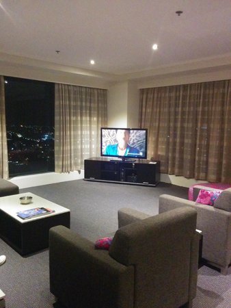 Meriton Serviced Apartments World Tower: Living area