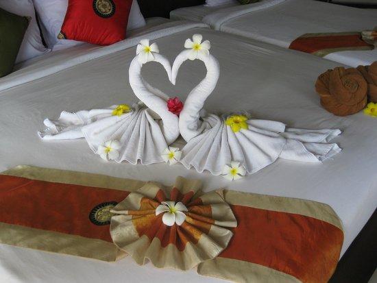 Golden Beach Resort: Beautiful towel folding