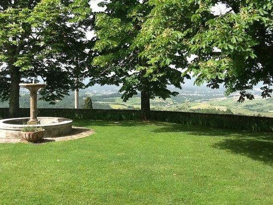 Relais Villa Belpoggio : beautiful view from out door breakfast area