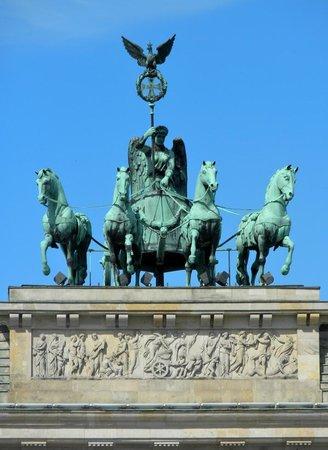 Pariser Platz - la quadriglia sulla Tor