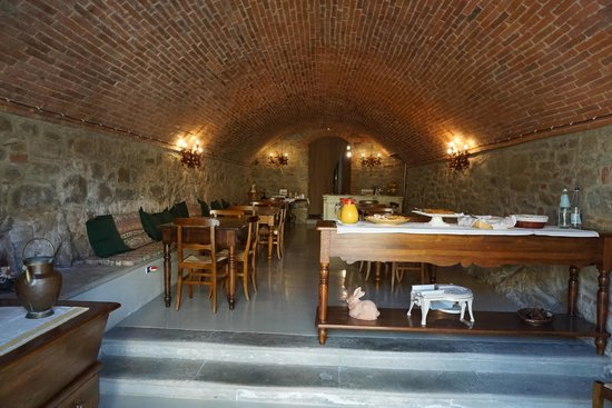 Relais Villa Belpoggio: dining room which was an old wine cellar