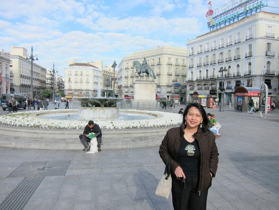 Puerta del Sol : The buildings share the same architecture