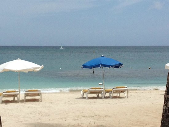 Discovery Bay by Rex Resorts: The beach