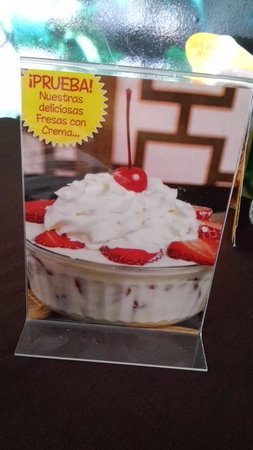 Laihoo's Cafe de China: Strawberries and Cream
