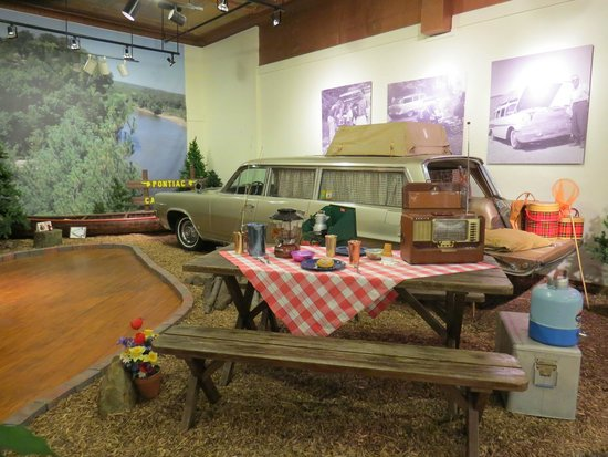 Pontiac-Oakland Automobile Museum : Camping out?