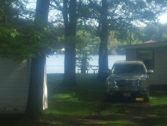 Pine Park Resort: Lakefront Cottages