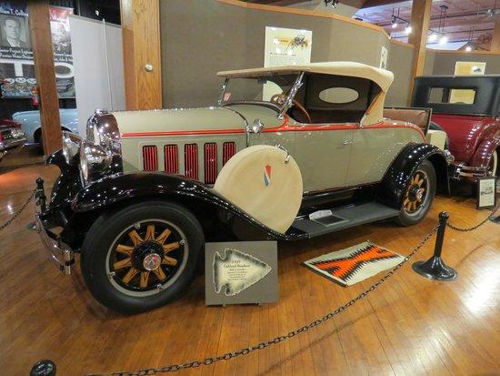 Pontiac-Oakland Automobile Museum: Classy!