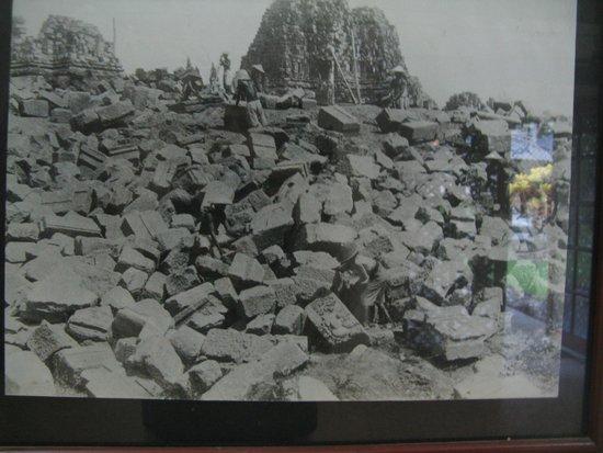 Temple de Prambanan : Prambanan crumbled ruins