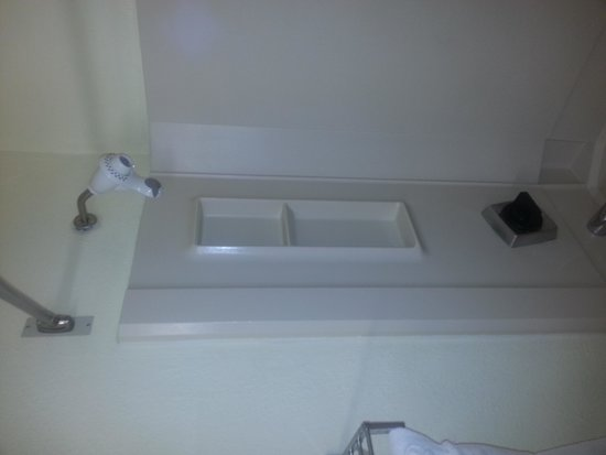 Ramada Asheville Southeast : Shower unit all messed up.
