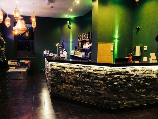 Cardamon Green: Bar