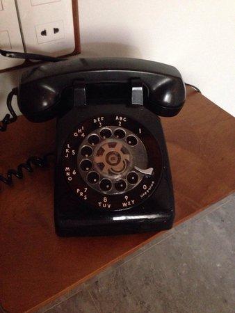 Hoi An Chic Hotel: Retro phone