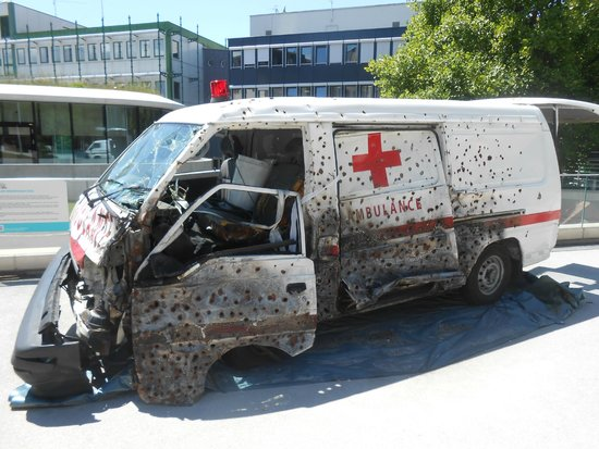 International Red Cross and Red Crescent Museum: Health care in danger is a matter of life and death