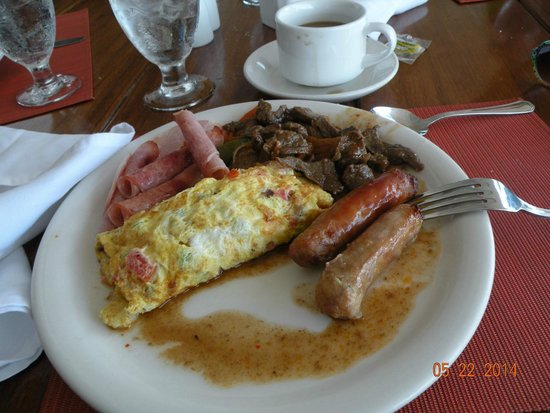 Royal Decameron Montego Beach : Breakfast buffet with omelette station