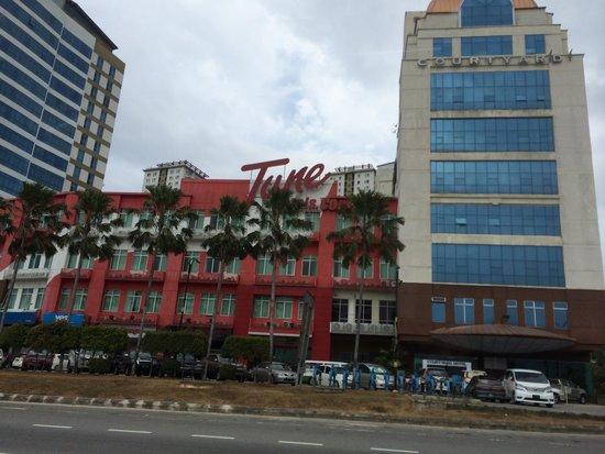 Tune Hotel - 1Borneo, Kota Kinabalu : 1borneo