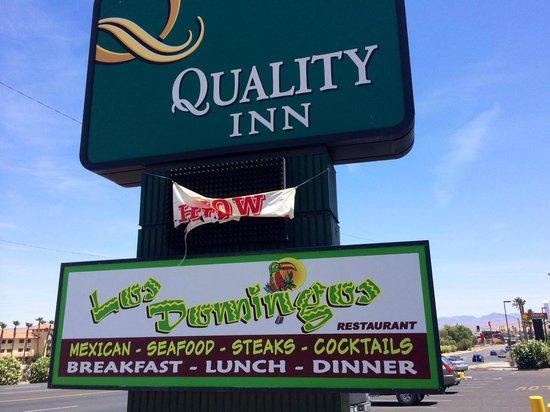 Los Domingos Mexican Restaurant: Signage Hotel & Restaurant