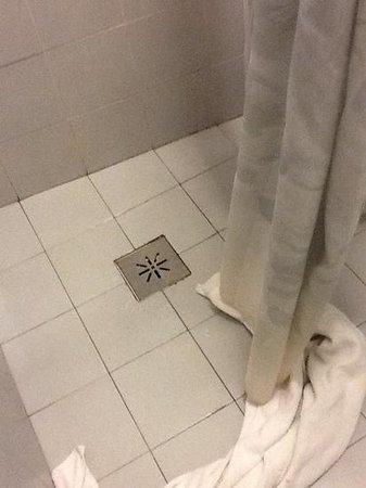 Priori Hotel: la doccia!