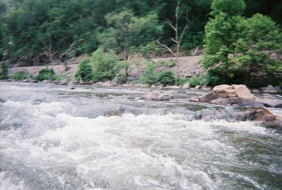 High Mountain Expeditions: an area where we were able to surf the river