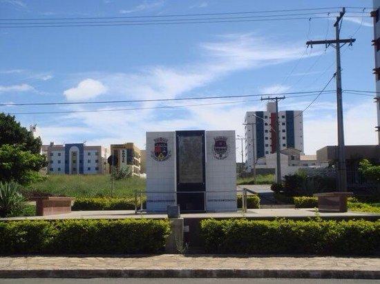 Monumento Jaci Flores