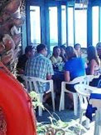 The Lighthouse Sports Bar & Restaurant: beautiful patio