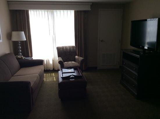 Homewood Suites by Hilton Olmsted Village (near Pinehurst) : living room