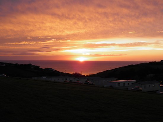 Widemouth Bay Caravan Park: Cornish sunset