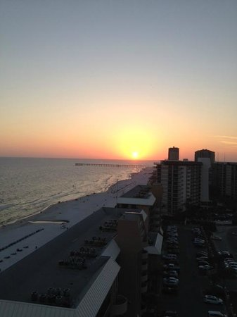 Holiday Inn Resort Panama City Beach: Sunset from balcony in Panama City Beach- 15th Floor