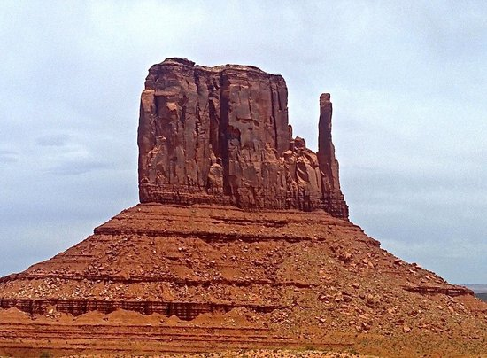 Navajo Spirit Tours - Day Tours: Looks like the jesus statue from this angle