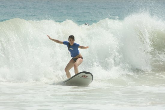 Macao Surf Camp: Surfing