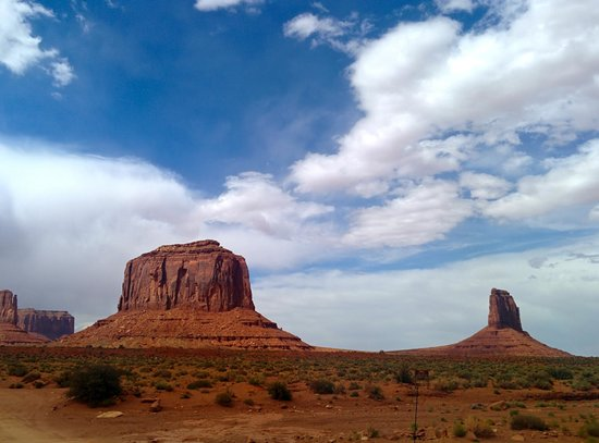 Navajo Spirit Tours - Day Tours: more big buttes